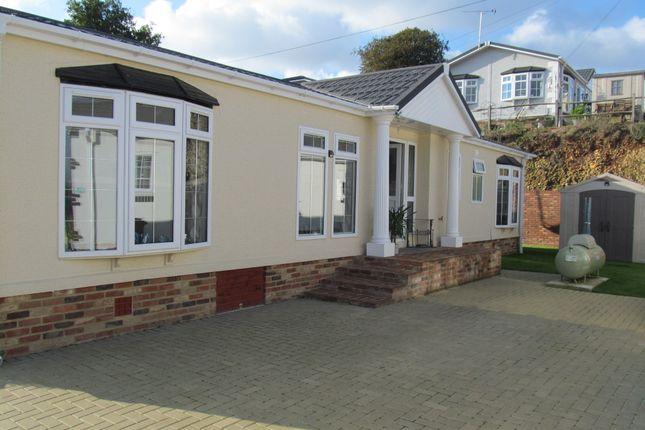 Thumbnail Mobile/park home for sale in Castle Drive, Pilgrims Retreat (Ref 5430), Harrietsham, Kent