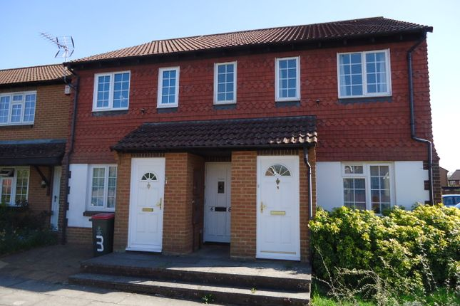 1 bed maisonette to rent in Craven Road, Crawley RH10