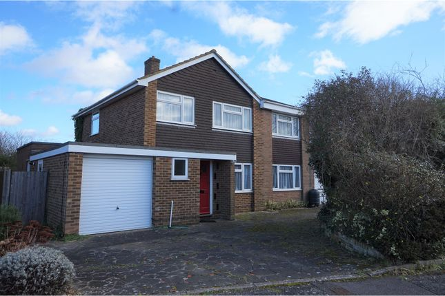 Thumbnail Detached house for sale in Wren Close, Yateley