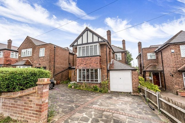 Thumbnail Detached house for sale in Forest Edge, Buckhurst Hill