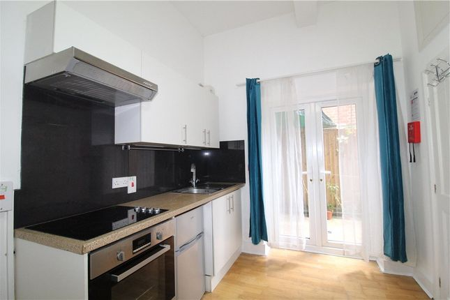 Studio to rent in Campden Road, South Croydon