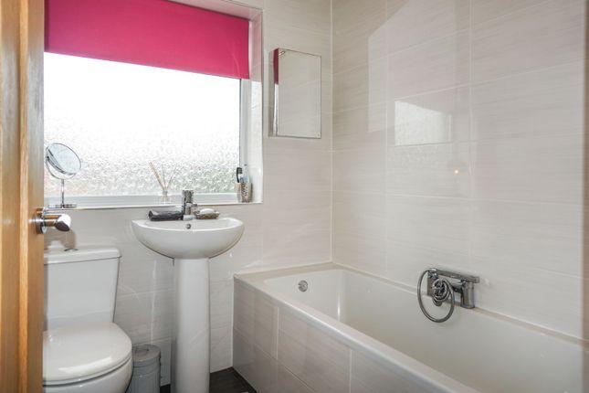 Family Bathroom of Rockwood Crescent, Calder Grove, Wakefield WF4
