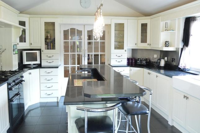 Thumbnail Semi-detached house to rent in Brownside Road, Burnley