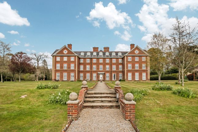 3 bed flat for sale in Ends Place, Byfleets Lane, Warnham, Horsham RH12