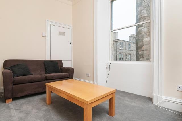 Thumbnail Flat to rent in Rodney Street, Edinburgh