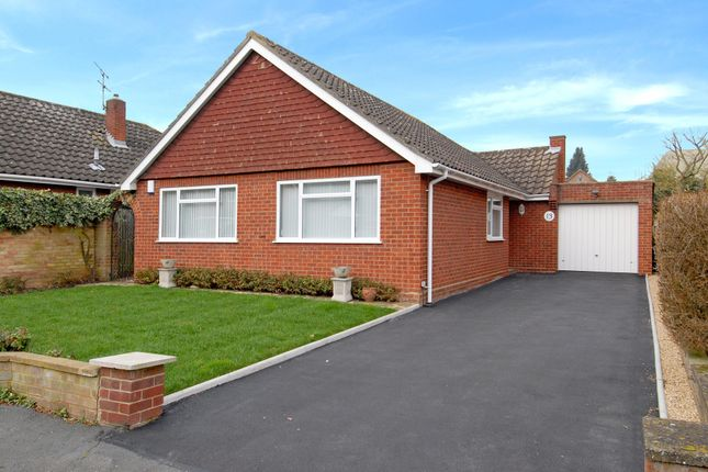Thumbnail Bungalow to rent in Sherbourne Drive, Maidenhead