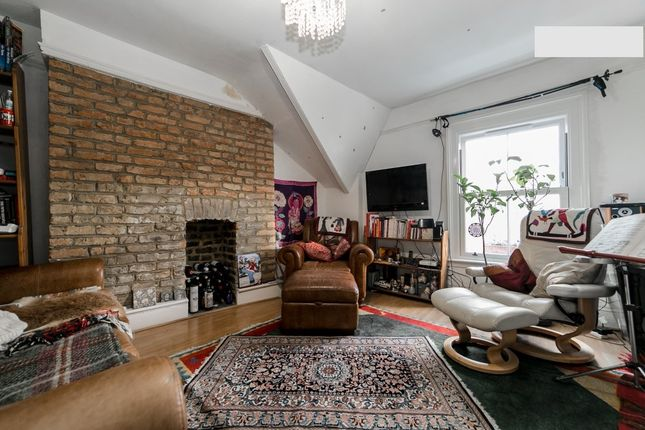 Thumbnail Terraced house to rent in Alexandra Drive, Gipsy Hill