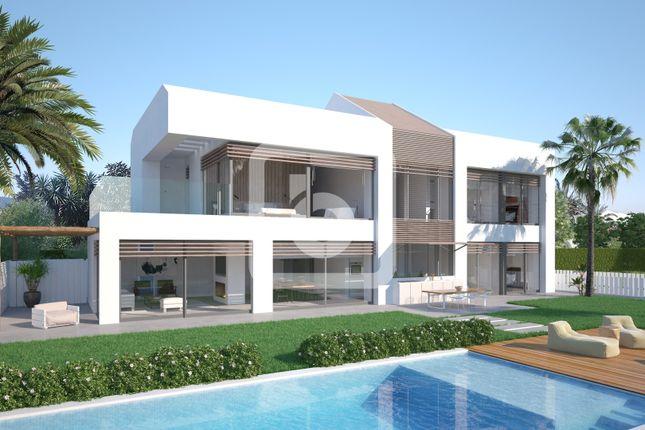 Thumbnail Villa for sale in Estepona, Costa Del Sol, 29680, Spain