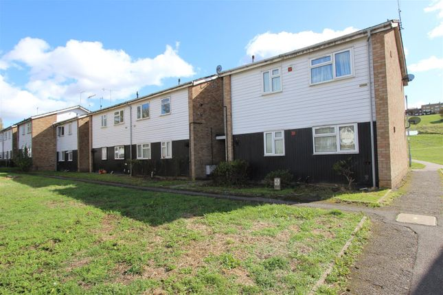 Thumbnail Flat to rent in Downside, Hemel Hempstead, Hertfordshire