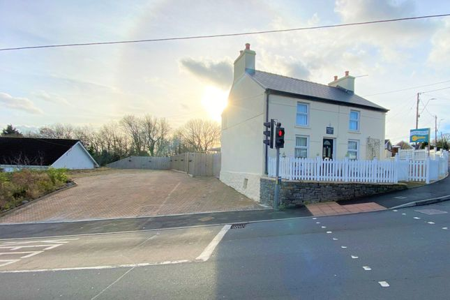 3 bed detached house for sale in Hendre Road, Capel Hendre, Ammanford SA18