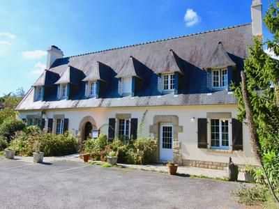 6 bed property for sale in Plomodiern, Finistère, France