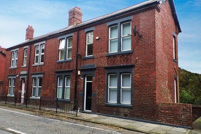 Thumbnail Flat to rent in Killingworth Road, South Gosforth