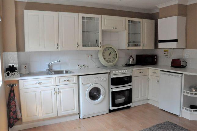 Thumbnail Flat to rent in Fieldfare, Stevenage