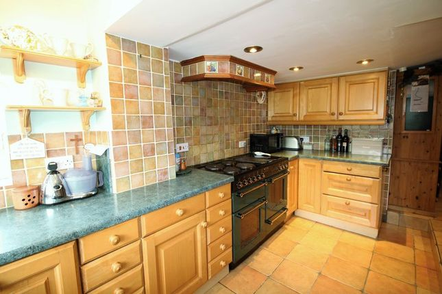 Kitchen of Donyatt, Ilminster TA19