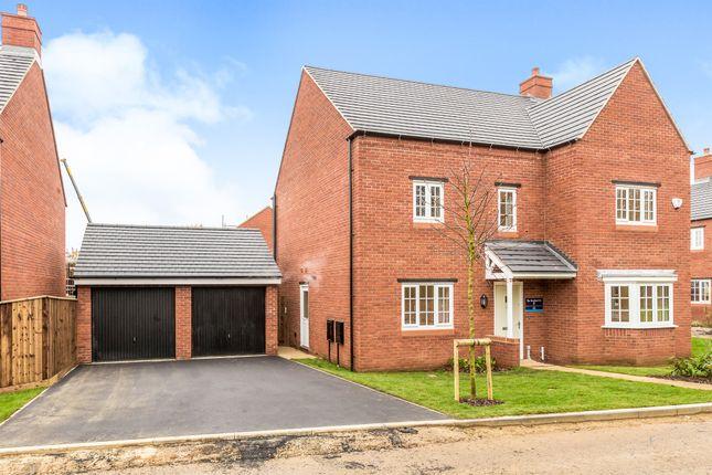 Thumbnail Detached house for sale in Bloxham Road, Banbury