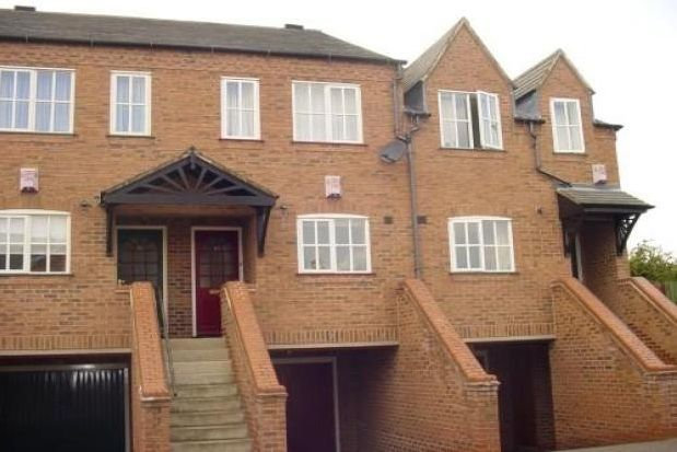 2 bed mews house to rent in The Roods, Rothley