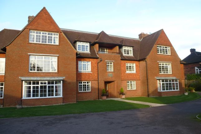 Thumbnail Flat to rent in Park Road, Haslemere