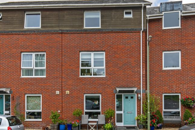 4 bed town house for sale in Athelstan Road, Winchester SO23