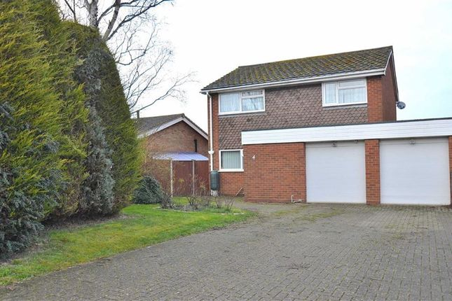 Thumbnail Detached house for sale in Burgess Way, Henlow