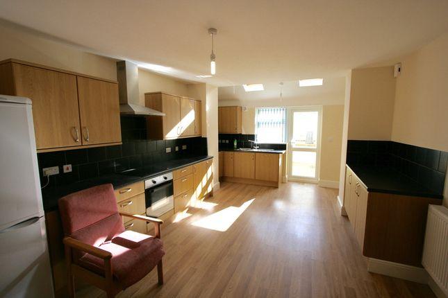 Thumbnail Flat to rent in Portland Road, Devonport