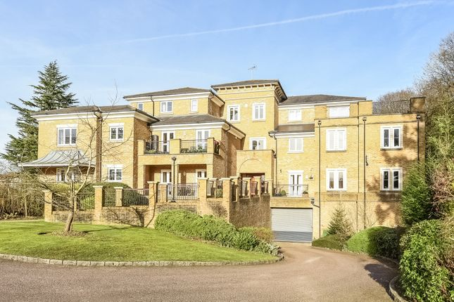 Thumbnail Flat to rent in East Parkside, Warlingham