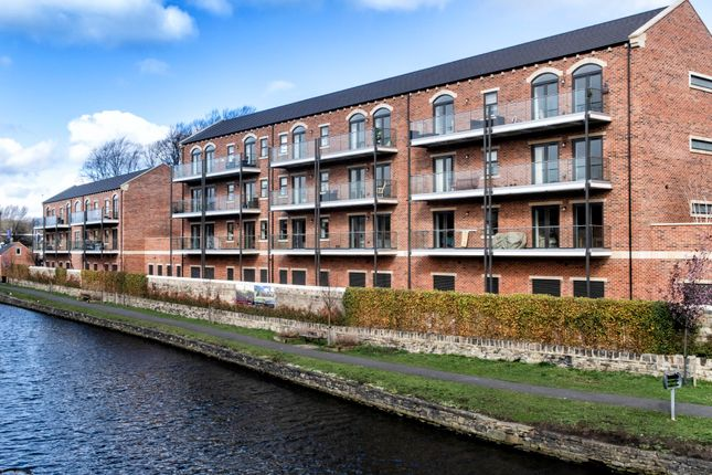 Thumbnail Flat for sale in St. Pauls Lock, Mirfield