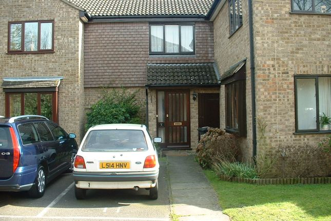 1 bed terraced house to rent in Countisbury Gardens, Addlestone