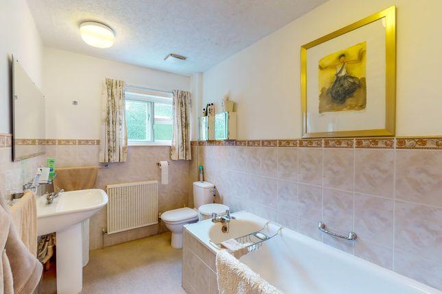 En-Suite of Wall Hill Road, Allesley, Coventry CV5