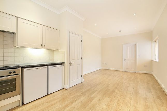 Thumbnail Flat to rent in Grove Road, London