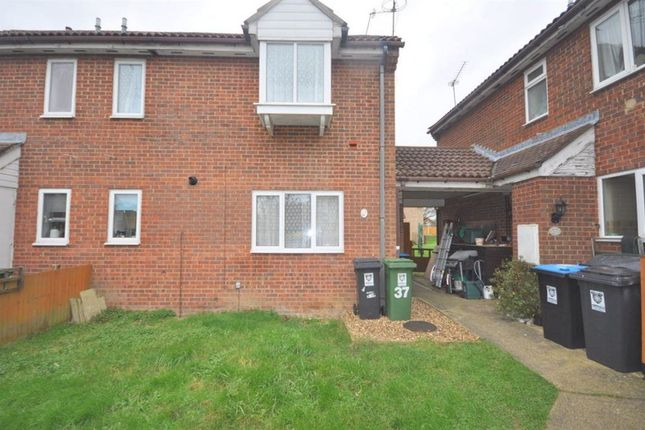 Thumbnail Property to rent in The Lawns, Hemel Hempstead