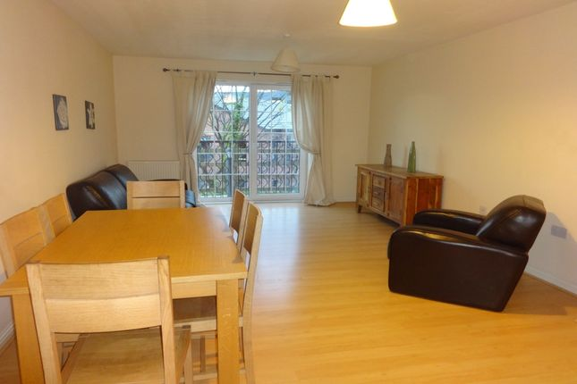 2 bed flat to rent in St. Christophers Walk, Wakefield, West Yorkshire WF1