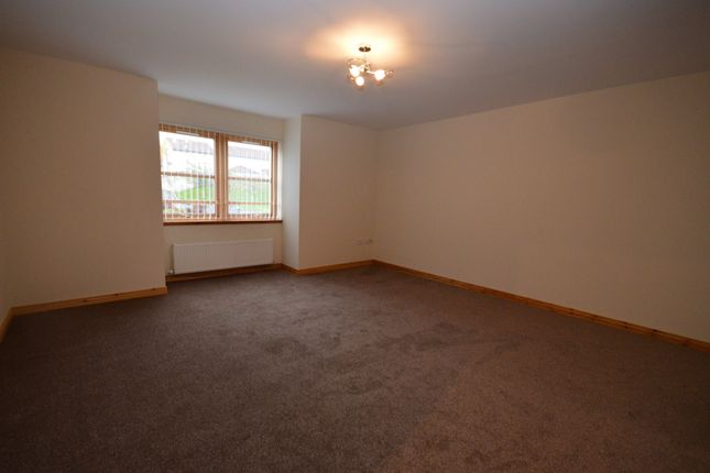 Thumbnail Flat to rent in Admirals Court, Westhill, Inverness, Highland