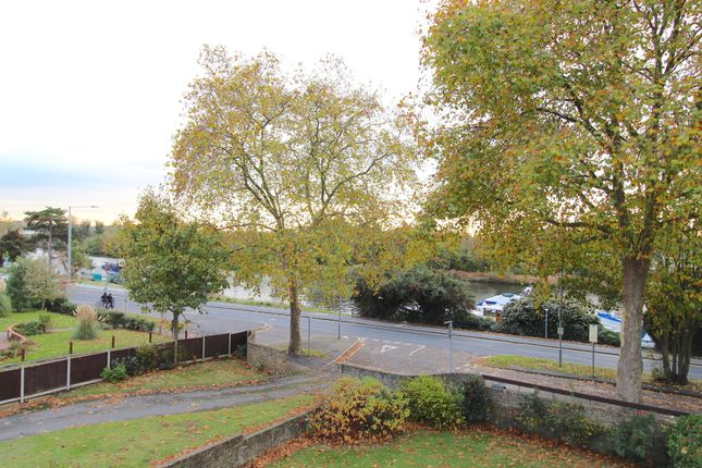 2 bed flat for sale in Portsmouth Road, Kingston Upon Thames