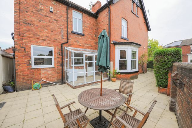 4 bedroom semi-detached house for sale in Cross Street, Chesterfield