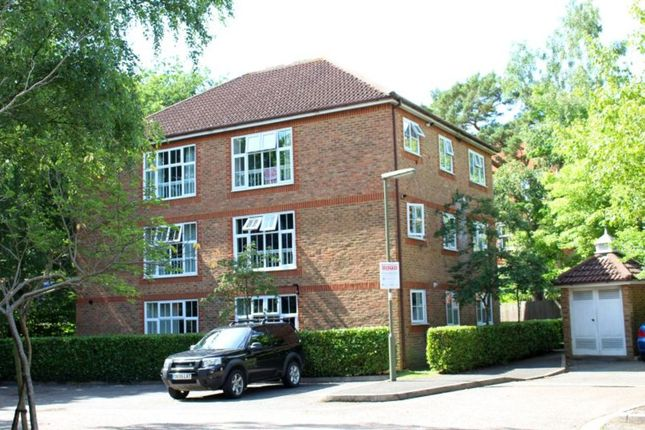 Thumbnail Flat for sale in Irvine Place, Virginia Water