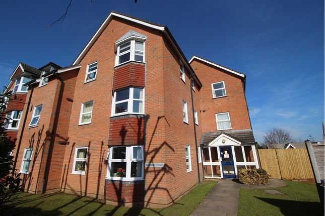 Thumbnail Flat to rent in Craufurd Rise, Maidenhead