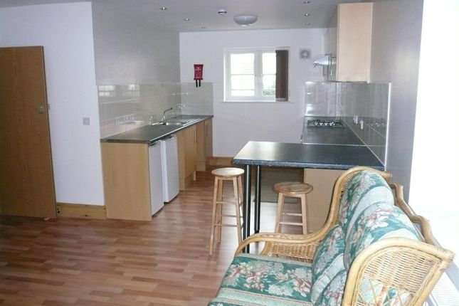 Thumbnail Flat to rent in Sandringham Suites & Apartments, Osborne Road, Southsea