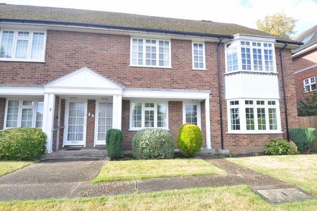3 bed flat for sale in Cranbrook Court, Fleet GU51