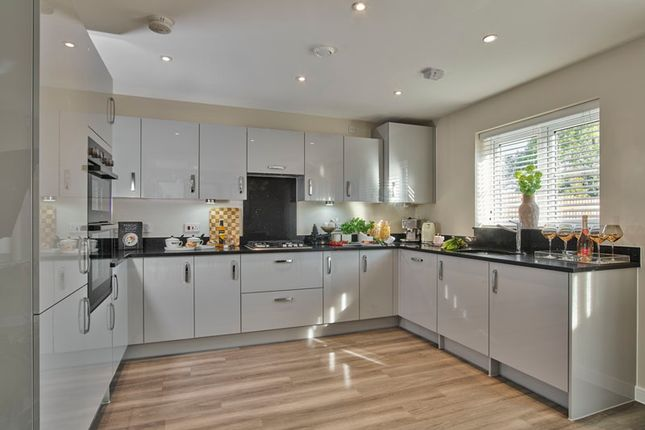 4 bed detached house for sale in Barn Road, Longwick HP27