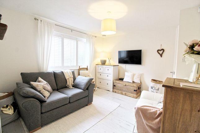 Studio to rent in Mornington Road, London SE8