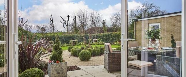 5 bedroom detached house for sale in Five Oaks Lane, Chigwell, Essex