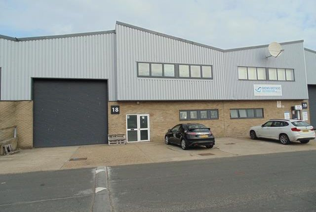 Thumbnail Light industrial to let in Unit 18 Brough Park Trading Estate, Fossway, Newcastle Upon Tyne