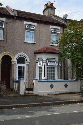 Thumbnail Terraced house for sale in Elm Park, London