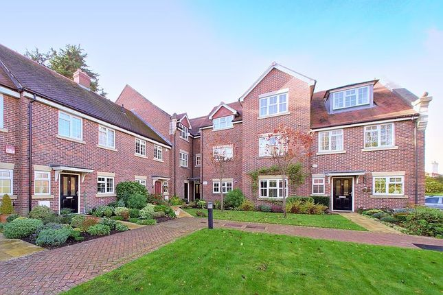 Thumbnail Flat for sale in St. Bartholomews Close, Chichester