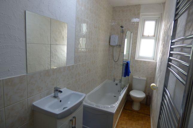 Family Bathroom of Crystal Road, Blackpool FY1
