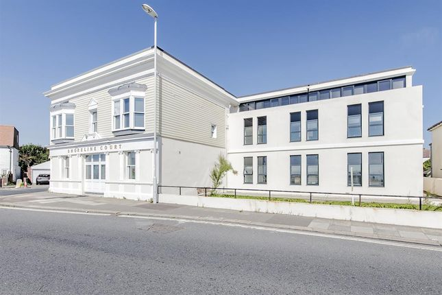 Thumbnail Flat to rent in Shoreline Court, Ham Road, Worthing, West Sussex