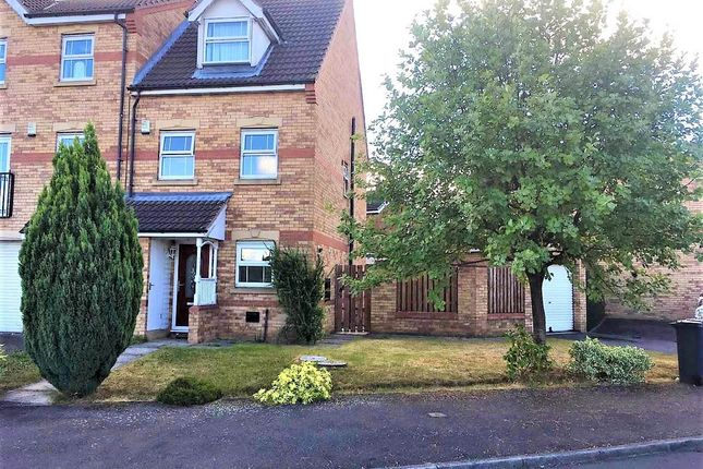 Thumbnail Town house to rent in Hampole Drive, Thurnscoe, Rotherham
