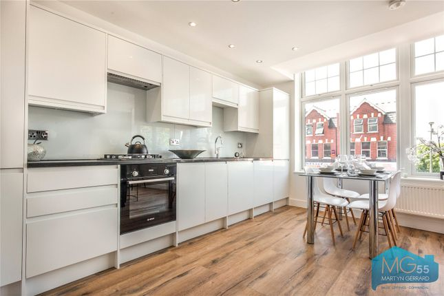 Thumbnail Flat for sale in Colney Hatch Lane, Muswell Hill, London