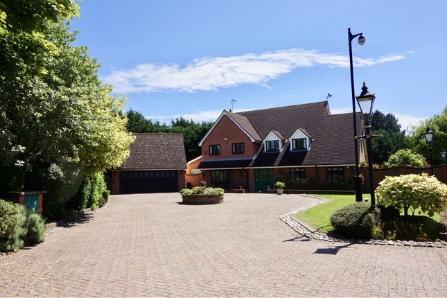 Thumbnail Detached house for sale in Hamlet Hill, Roydon, Nr Harlow