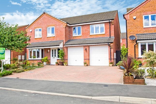 5 bed detached house for sale in Deanery Close, Ripley DE5